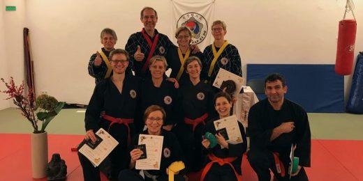Prüflinge und Prüfer der Shinson Hapkido Kup-Prüfung